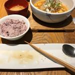 やさい家めい - 聖護院大根の麻婆豆腐。手前食べ終わりの食器で失礼します。