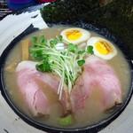 麺屋 よしすけ - 「よしすけ麺」850円也。税込。