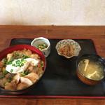 64015210 - 時計回りに豚カルビ丼、冷奴、牛蒡と糸こんにゃくの煮物、みそ汁('17/03/16)