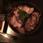 藤丸クラフト - ソーキ肉の燻製 ビールに合います