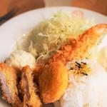 田なか屋 - エビフライとヒレカツとクリームコロッケで500円