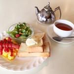 サンローゼ - ドリンクメニューのバリエーションも何気に多いんです。 紅茶とハーブティーだけでも10種以上!