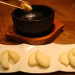 笑来 - 地元 小林生まれのチーズが主役!「とろける焼きチーズ」
