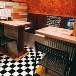 86Haru - 店内