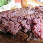 肉が旨いカフェ NICK STOCK - 赤身肉とスパイスをぎゅっと丸めただけみたいな、ニクニクしいハンバーグ。。