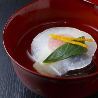 魚や野菜から出汁に使う昆布まで、一切妥協のない素材選び