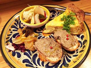 プエブロ - メカジキと新玉ネギのレモン風味キッシュ