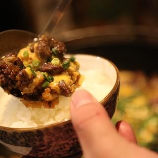 大好評!!鶏すき焼き付きコース。〆はこだわりの親子丼