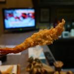 まり邑 - 有頭海老・・ボクは海老アレルギーだけど、海老系の串揚げが無茶苦茶旨いので食べないわけにはいかない(笑)