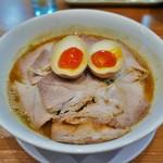 天天有 - チャーシュー麺並(830円)  温泉玉子トッピング(50円)