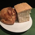 ワインレストラン ドミナス - シューパンとフォカッチャ