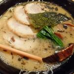 九十九ラーメン - 醤油とんこつラーメン(トッピング:チャーシュー)