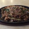 Okonomiyakiharu - 料理写真:ミックスやきそば=680円