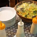 大阪ハラールレストラン - 金曜日スペシャルランチビュッフェ(SALAD)