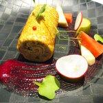 ゴーシェ - ランチコース 3240円 のレンズ豆のサラダと豚肉のリエット クレープ巻き