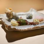 すし縁 - ホタルイカ、白ばい貝、長芋
