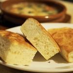 ワイン食堂UmiUsagi - パン