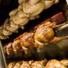 オッソ・ブラジル - 料理写真:秘伝のタレに一晩漬け込んだ丸鶏を職人がじっくり丁寧に焼き上げます。