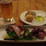 ニコ スペーツェ - ミニ・サラダと2種類の酵母パン