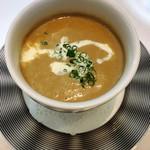 64051881 - マッシュルームのクリームスープ