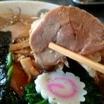 青島食堂 - チャーシューも程よく柔らかで染みウマ♪