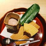 紀風 - バームクーヘン       イチゴのアイスクリーム