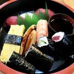 つたや - にぎり寿司並 1080円