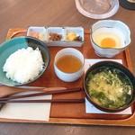 大江ノ郷自然牧場 ココガーデン - たまごかけご飯