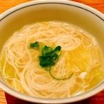 橙 - 〆でそうめん(200円)追加で頼みましたがまさかの三輪素麺【白髪】じゃないですか!?