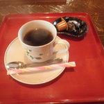 小林美術館茶房 - ドリンク写真:挽きたてコーヒー