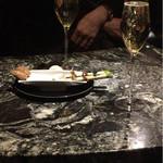 オーベルジュ・オー・ミラドー - ウェイティング&champagne