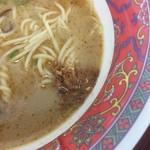 拉麺 劉 - 揚げにんにく投入