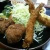 とんかつ よしの - 料理写真:エビ・メンチ定食