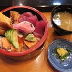 平寿司 - 三色丼 1000円