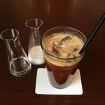 インターセクトバイレクサス - アイスコーヒー