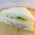 エピシェール - 料理写真:ベーコンとタマゴのサンド
