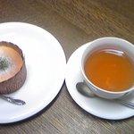 東山いっぷく処 - 加久良(紅茶)とチーズケーキ