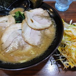 春樹 - 豚骨醤油叉焼(トッピング:ネギ)