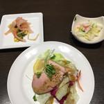 あたか飯店 - マダムランチ 鴨の中華風サラダ、蟹肉と白菜の甘酢漬け、イカ明太子和え