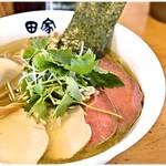 64081826 - 特製煮干塩そば 980円 見た目通りクリアな味わいの煮干スープです。クリアと言っても旨味は強し!
