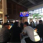 Mai Tai Bar - 地元率高い店内です