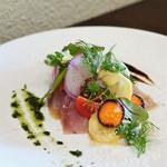 ビストロ オレイユ - ぶりのマリネと根菜のサラダ