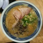 豪快豚骨ゴートン - 料理写真:味噌GOTON/たっぷりの胡麻は、当方がかけたものです(^^;/ぶれててすいません