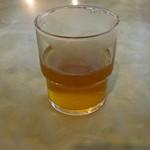 マルカンビル大食堂 - 水も熱いお茶もガラスのコップでいただくのだ!