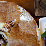 SOBA Café さらざん - ブルーチーズ、ポテト、きのこのガレット