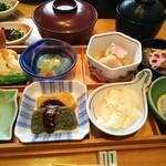 Sagami - 市松弁当全景