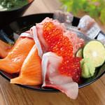 《悩んだらコレ!人気No.1》寿司屋の海鮮のっけ丼