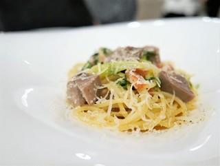 a - イベリコ豚タンのストファート 九条葱のビアンコスパゲッティ