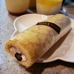パステルデザート - 米粉の黒豆ロール(399円)