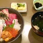 丸萬亭 - 海鮮丼